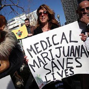 Medical-Marijuana-Protester10